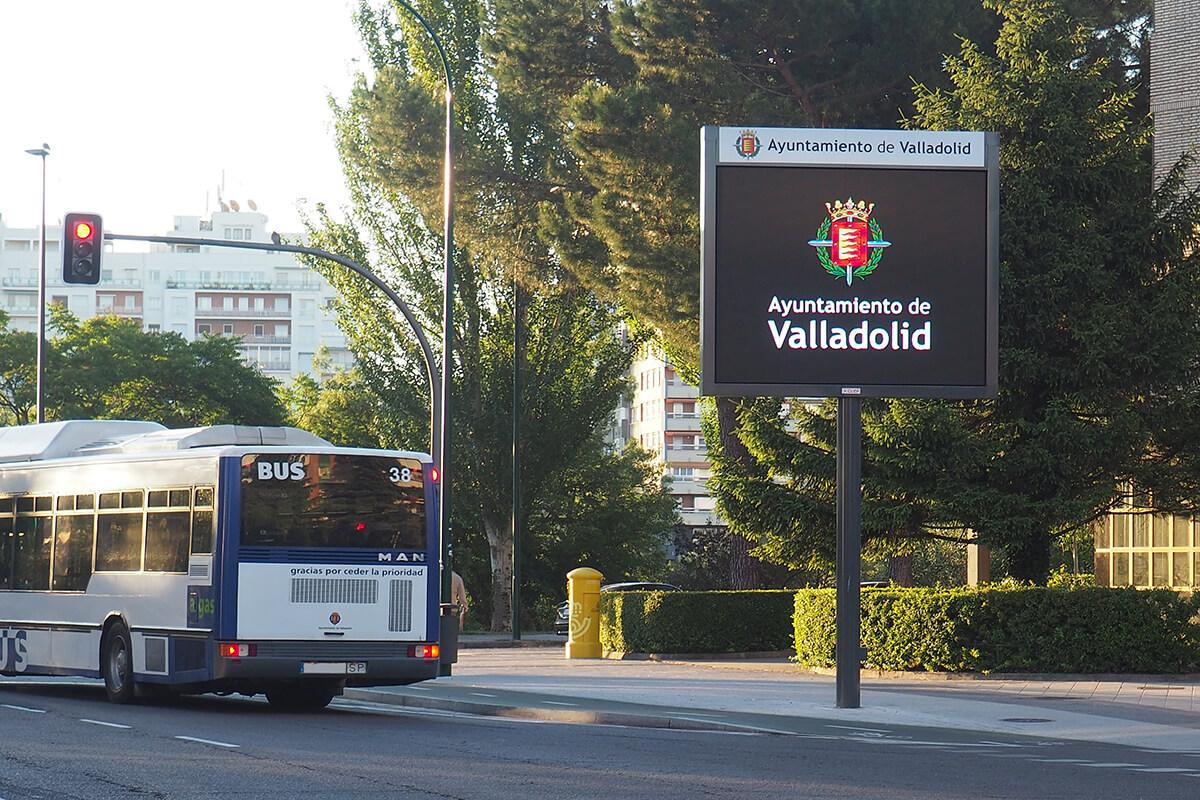14 Pantallas LED de información ciudadana p10 Full Color en Valladolid