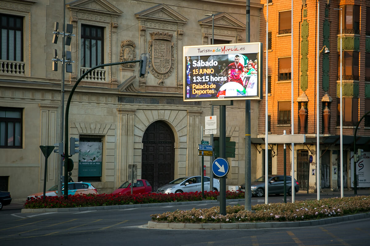 Pantalla LED Outdoor p8 Full Color de información ciudadana en Murcia