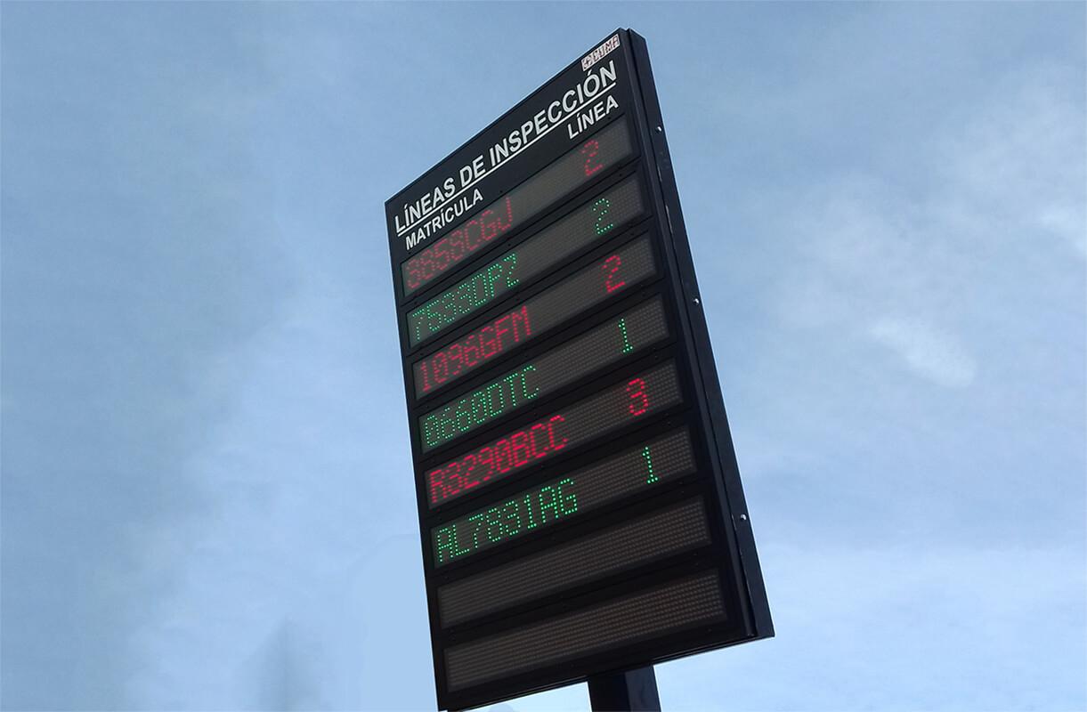Display LED de 8 filas y 4 líneas de inspección en ITV Huércal