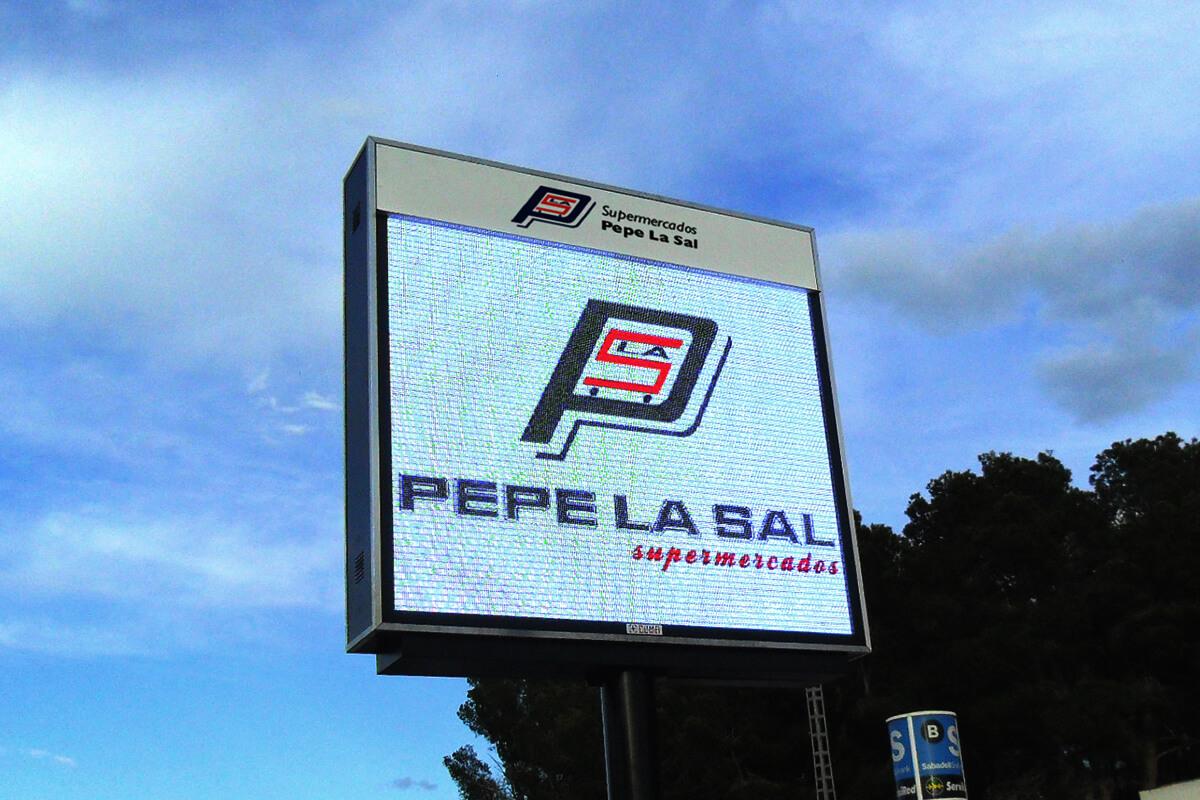 Pantalla LED Outdoor Full Color en Supermercado Pepe La Sal