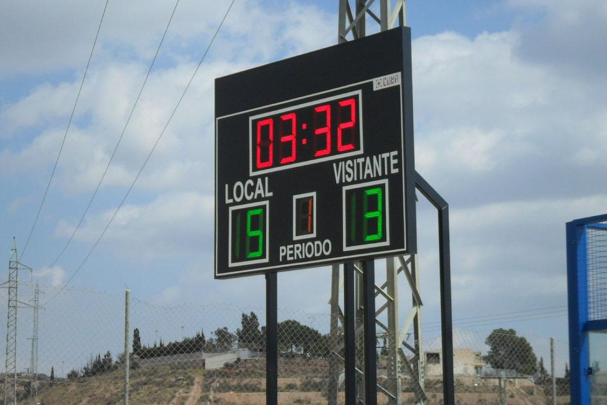 Marcador LED de dígito en el campo de fútbol de La Ñora