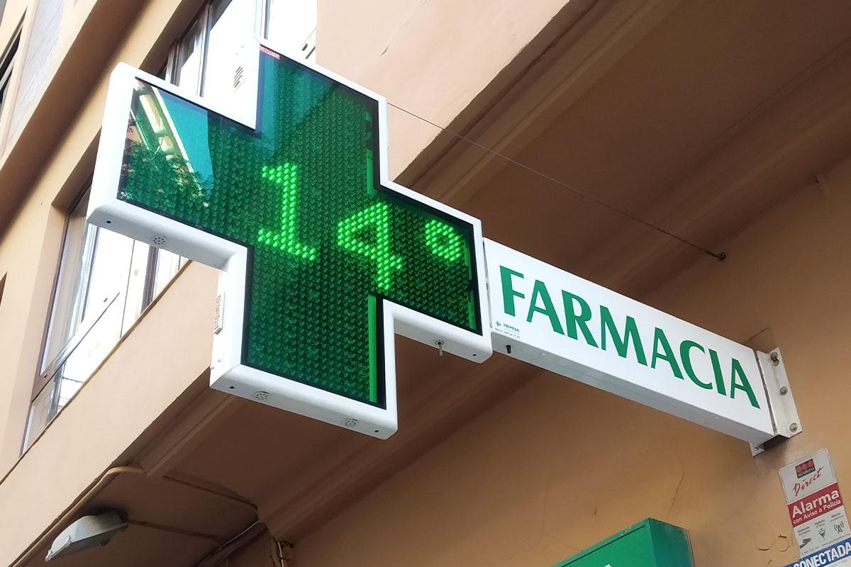 Cruz LED modelo Anzo 90 en la Farmacia Llacer Clemente en Valencia