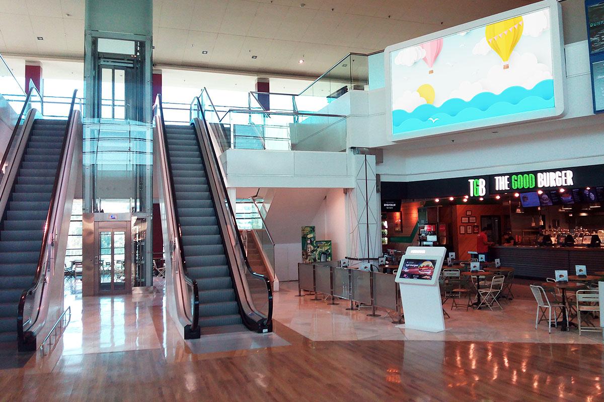 Doble pantalla LED indoor en el Centro Comercial Miramar
